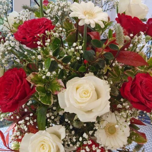 anniversary flowers - red roses
